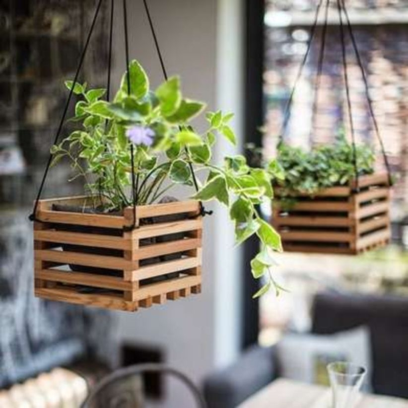 Charming outdoor hanging planters ideas to brighten your yard 08