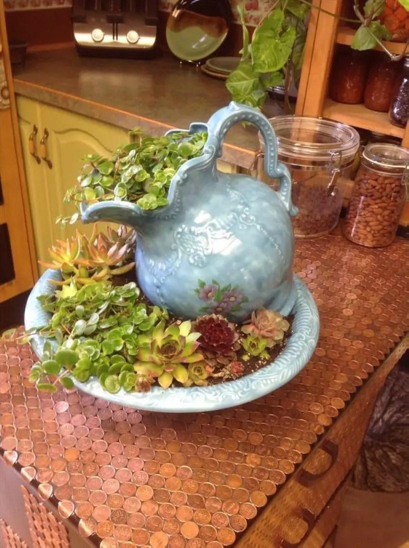 Creative garden potting ideas 32