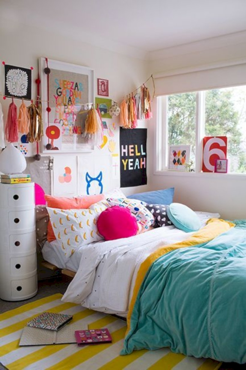 41 Easy and Clever Teen Bedroom Makeover Ideas - Matchness.com on Teenager Simple Small Bedroom Design  id=19179