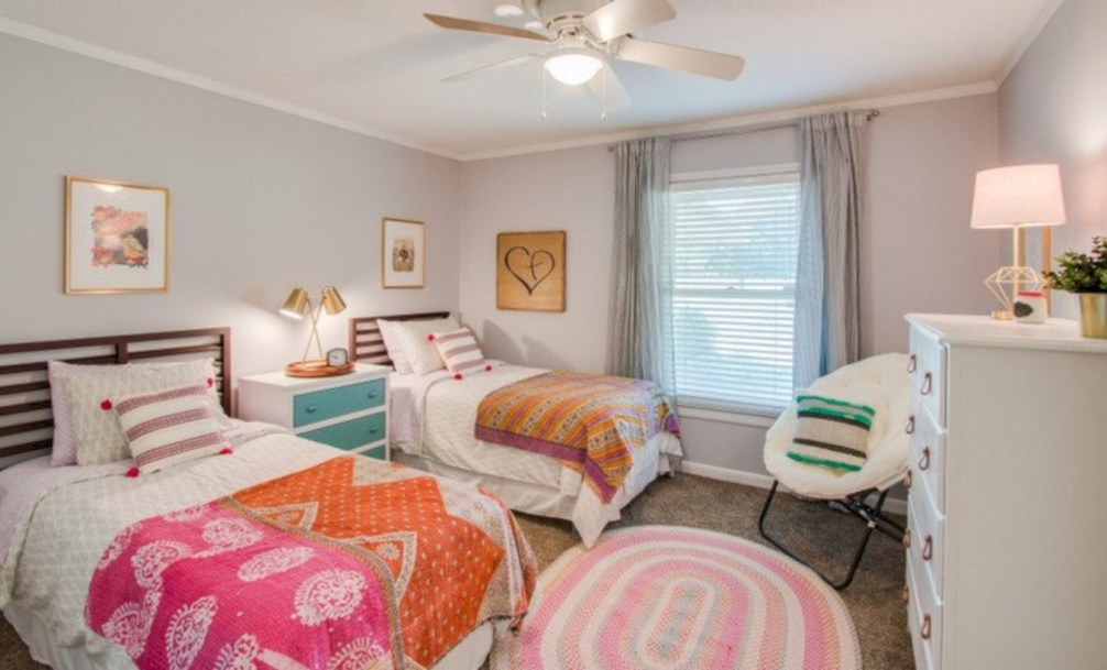 Easy and clever teen bedroom makeover ideas 23