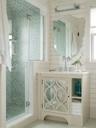 Half wall shower for your small bathroom design ideas 14