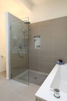 Half wall shower for your small bathroom design ideas 24
