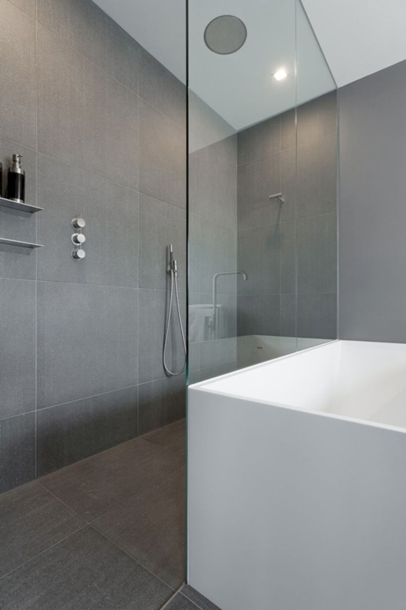 43 Nice And Minimalist Bathroom With The Glass Wall With A
