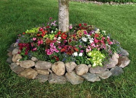Outdoor garden decor landscaping flower beds ideas 07