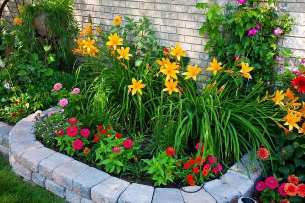 Outdoor garden decor landscaping flower beds ideas 35