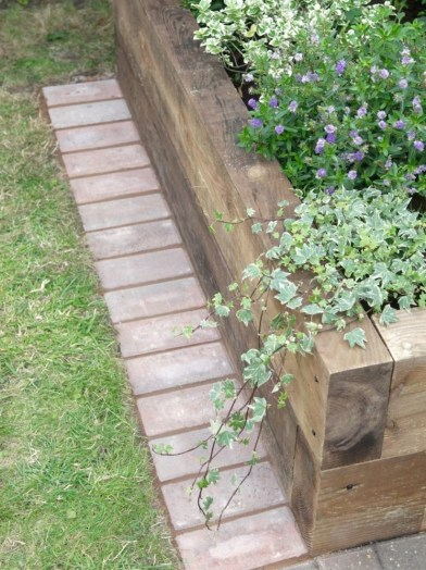 Outdoor garden decor landscaping flower beds ideas 38