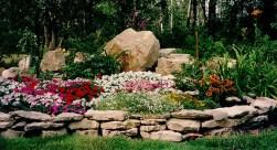 Outdoor garden decor landscaping flower beds ideas 49