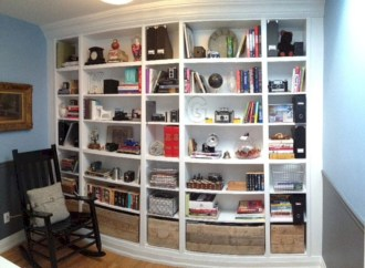 Pieces to create a stylish bookcase instantly 02