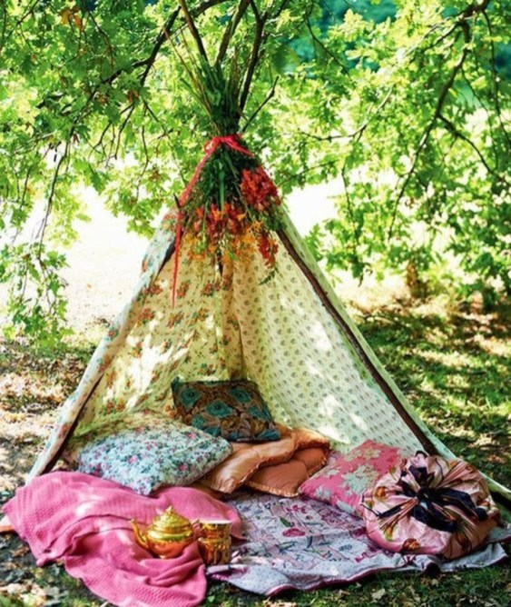 Shabby chic and bohemian garden ideas 02