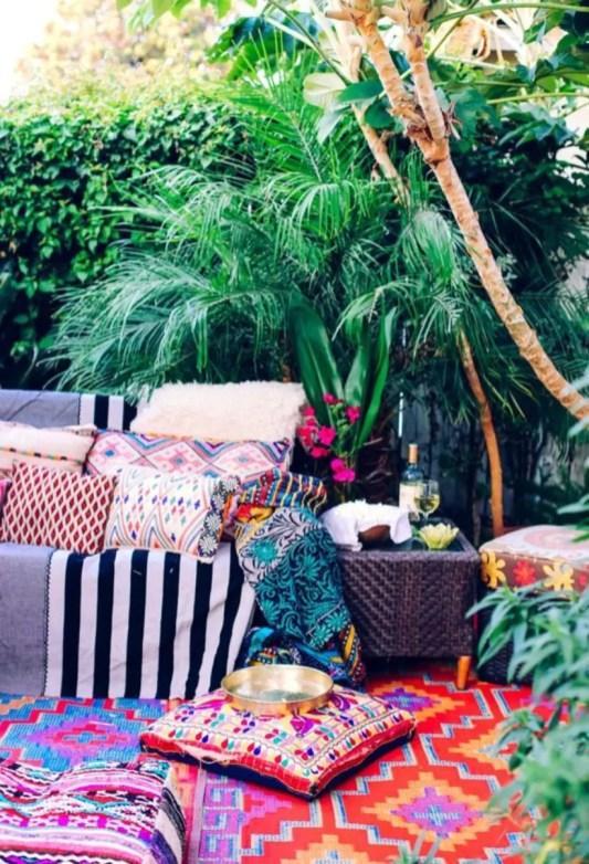 Shabby chic and bohemian garden ideas 06