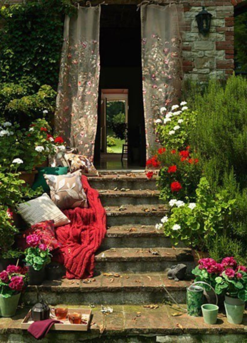 Shabby chic and bohemian garden ideas 17