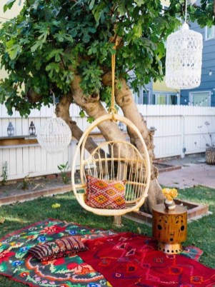 Shabby chic and bohemian garden ideas 27