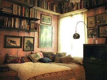 Stunning bookshelves ideas for bedroom decoration 14