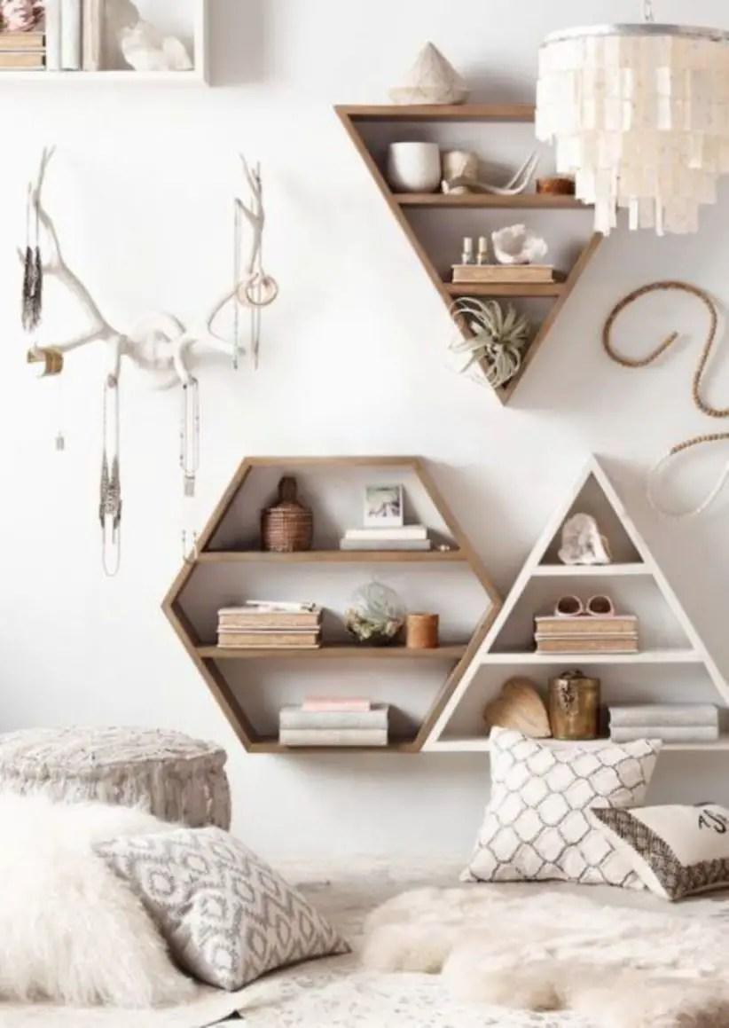 Stunning bookshelves ideas for bedroom decoration 18