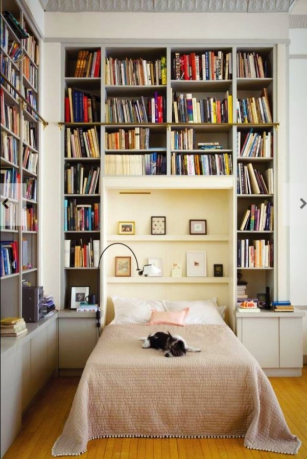 Stunning bookshelves ideas for bedroom decoration 38