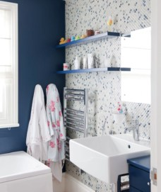 Stunning mosaic tiled wall for your bathroom 24