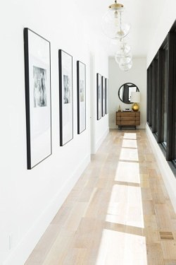 White wall and picture frames in hallway decorating ideas 08