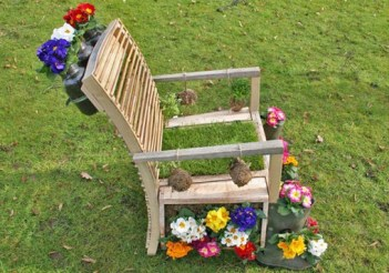 Reuse-garden-ideas-diy-upcycled-wooden-chair-flower-planter