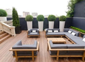 Modern outdoor living space ideas
