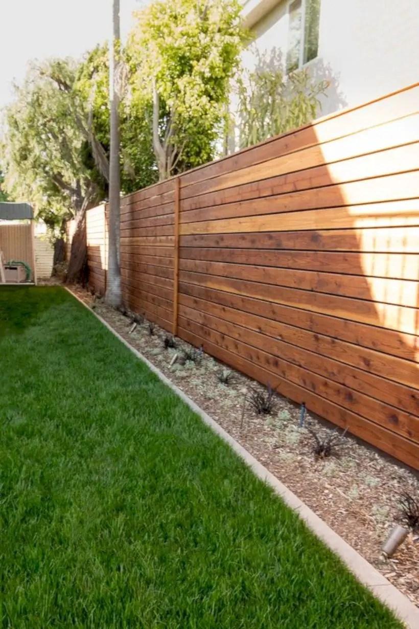Wood fence horizontal