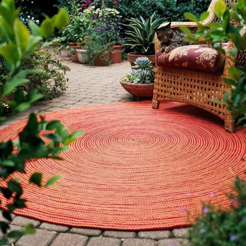 Rooms that will inspire you to try with a round rugs 10