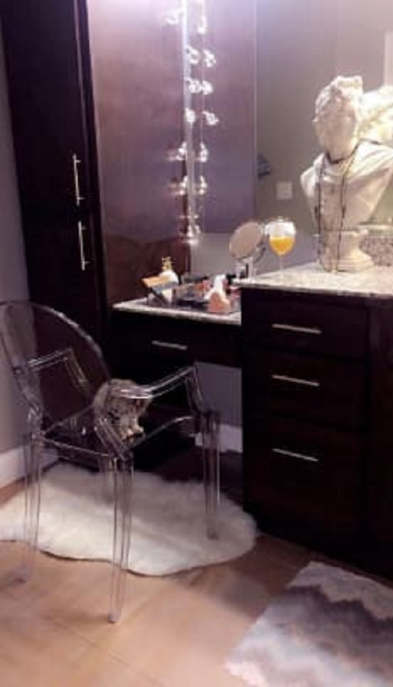 Choose Ghost Chair