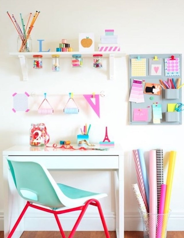 Colorful home office design ideas to brighten up your mood 3