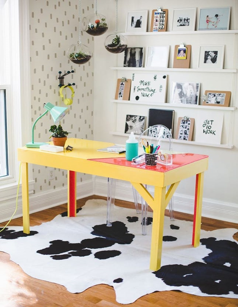 Colorful home office design ideas to brighten up your mood 6