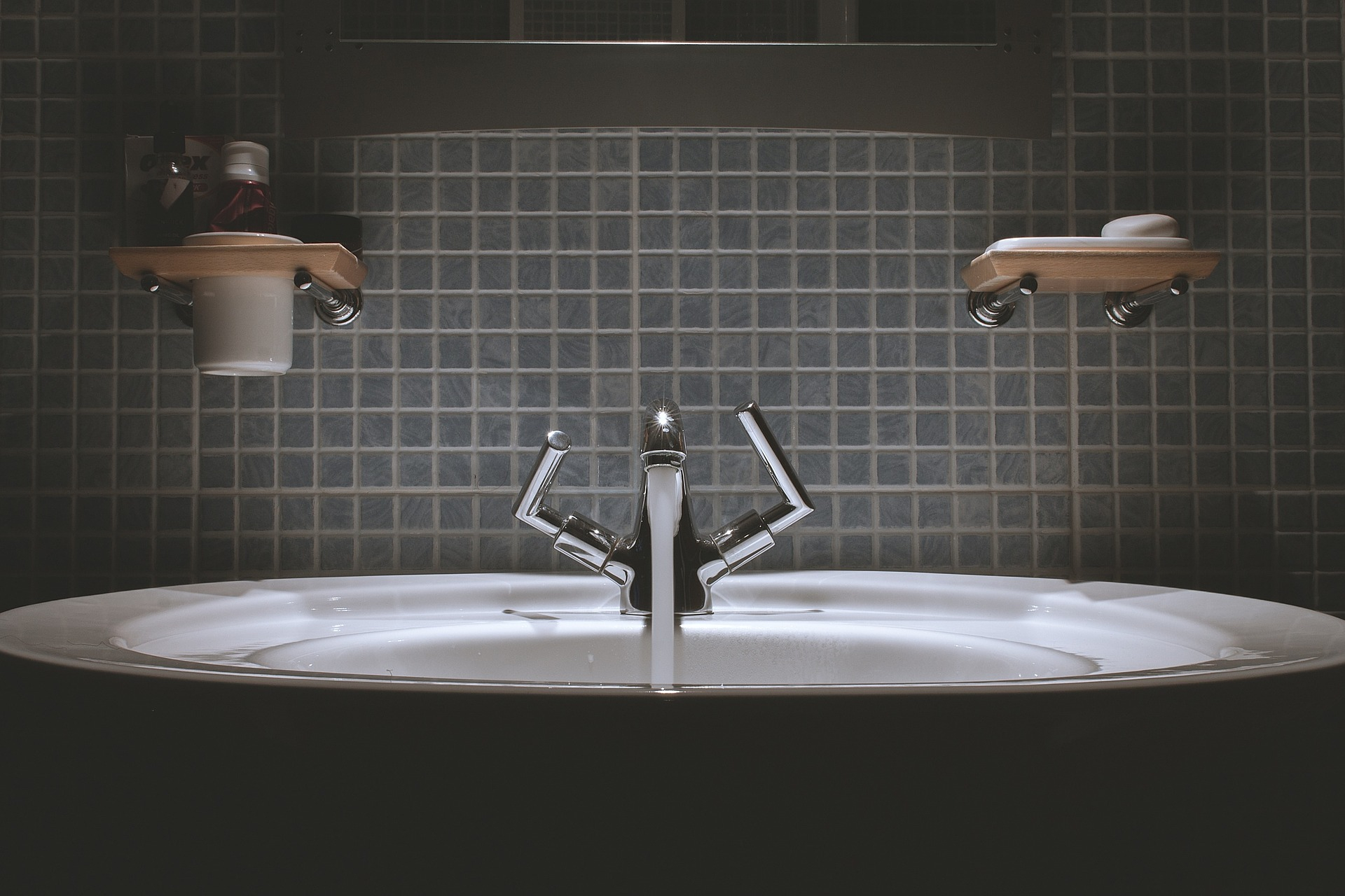Water Faucet Types for Kitchen and Bathroom - Matchness.com