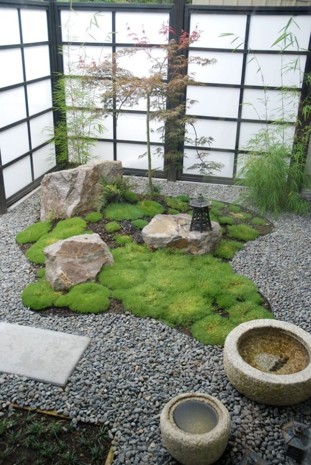 Japanese little rock garden