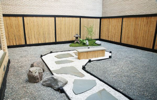 Simple and stylish japanese garden
