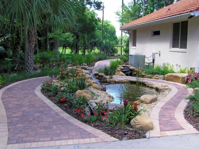 Pool for side yard
