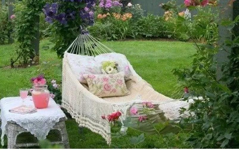 Shabby chic garden 1
