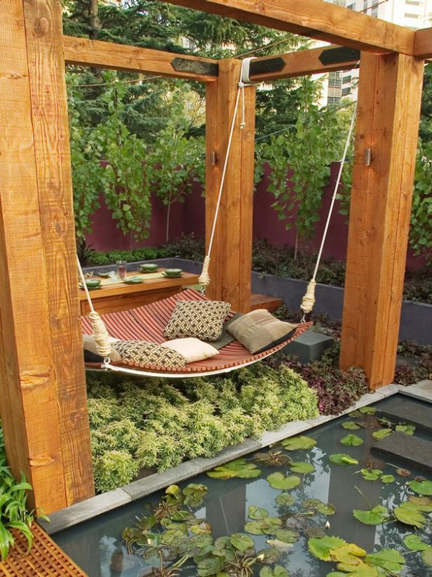 Garden with curved timber daybed