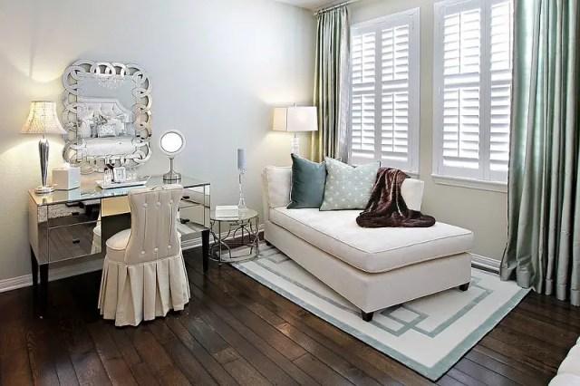 Modern-chic-bedroom-make-up-vanity