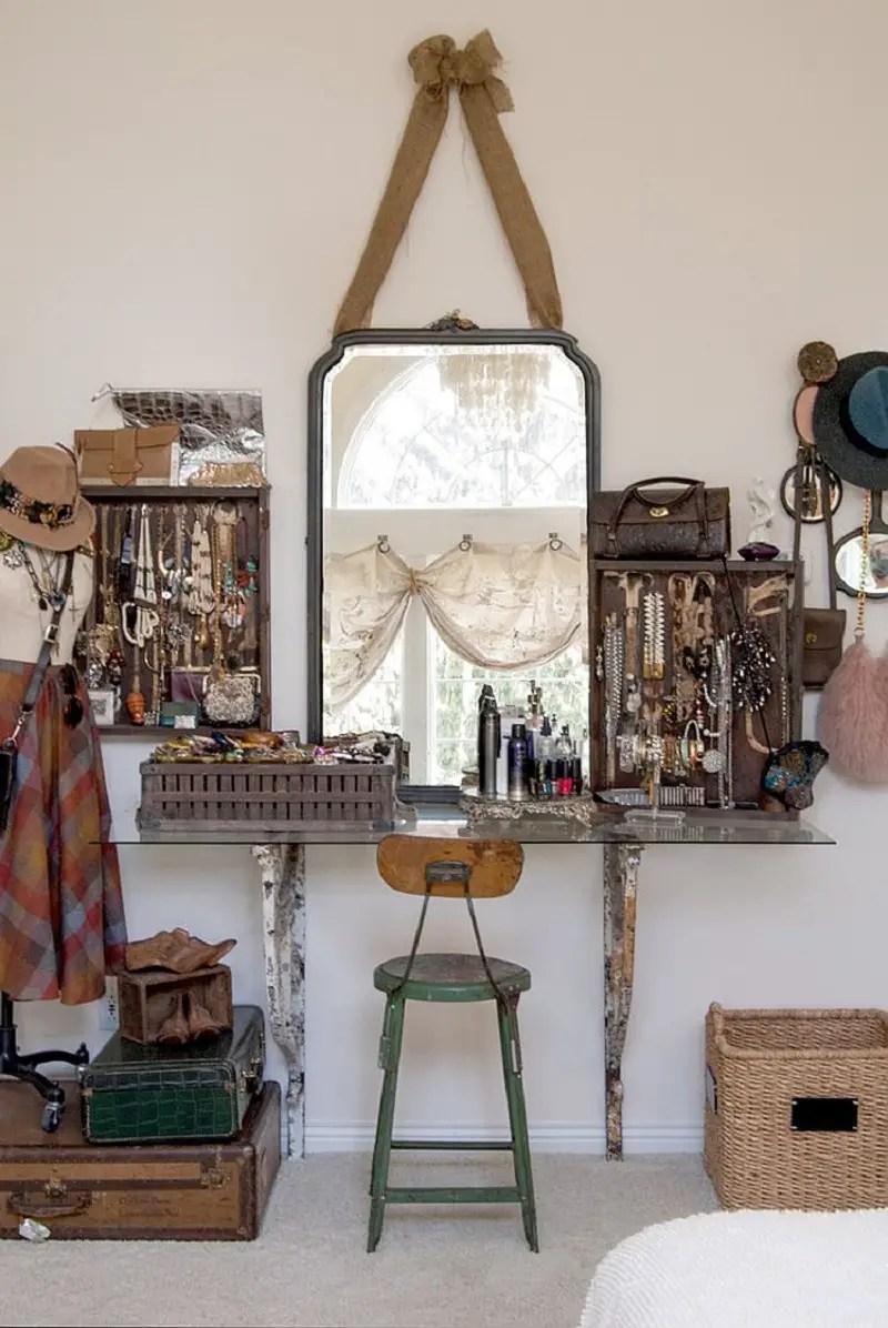 Shabby-chic-bedroom-makeup-vanity