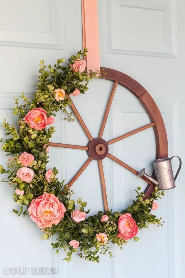 Wagon wheel wreath