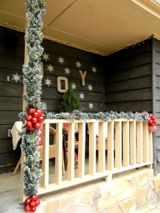 Adorable christmas porch décoration ideas 04