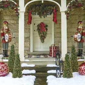 Adorable christmas porch décoration ideas 10