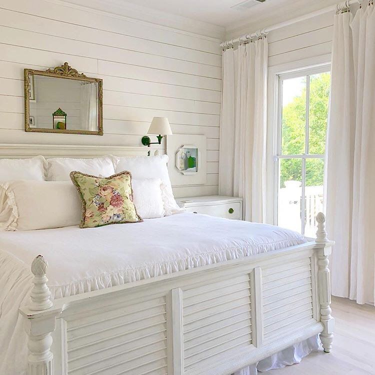 Classic and vintage farmhouse bedroom ideas 08