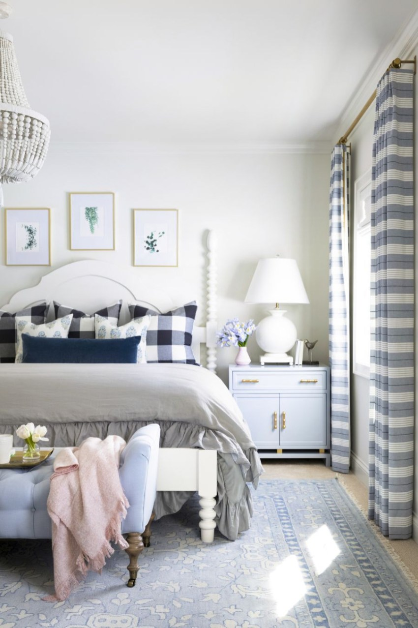 Classic and vintage farmhouse bedroom ideas 09