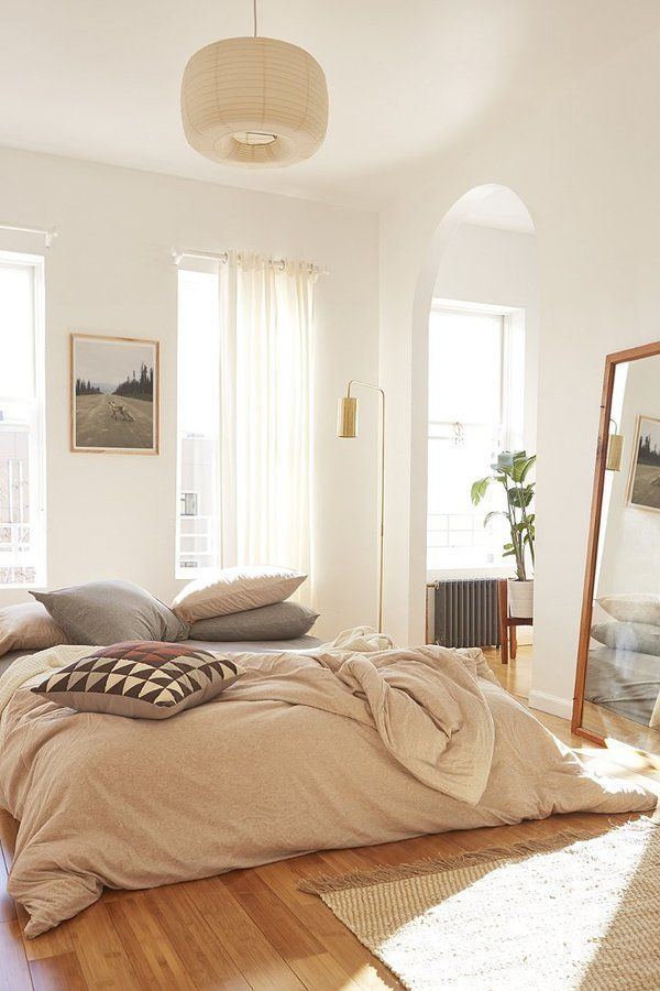 Classic and vintage farmhouse bedroom ideas 10