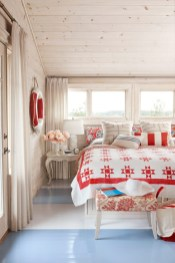 Classic and vintage farmhouse bedroom ideas 11