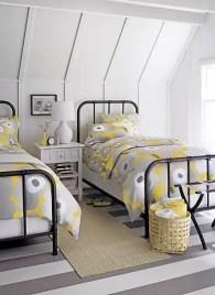 Classic and vintage farmhouse bedroom ideas 37