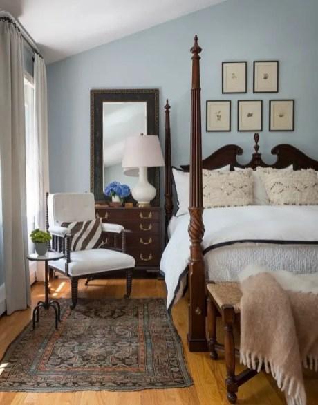 Classic and vintage farmhouse bedroom ideas 38