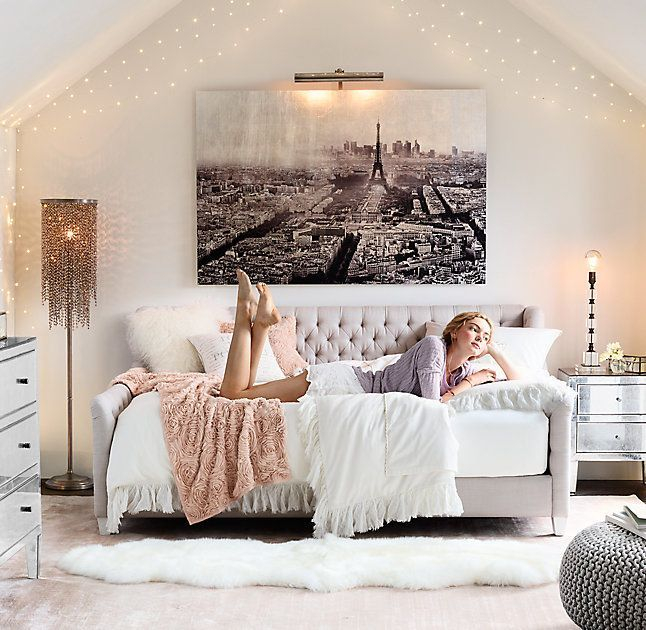 Awesome string light ideas for bedroom 31