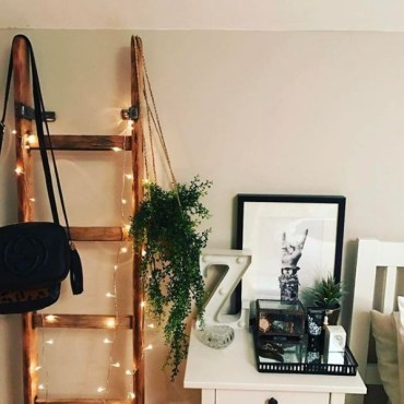 Awesome string light ideas for bedroom 44