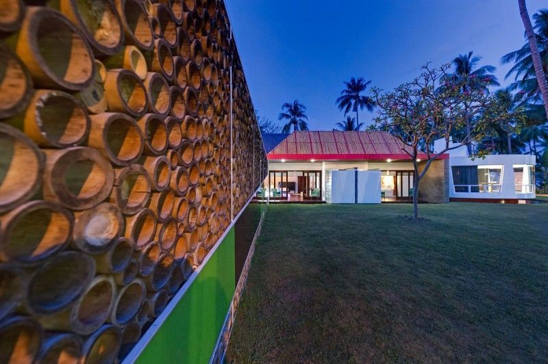 Bamboo fence ideas for small houses 18