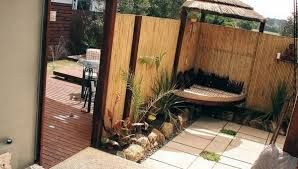 Bamboo fence ideas for small houses 26
