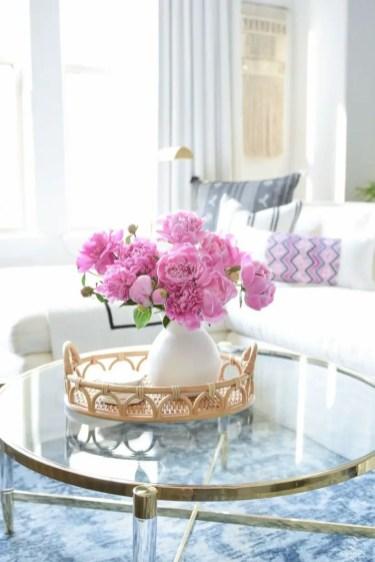 Beautiful farmhouse decor ideas for summer 14